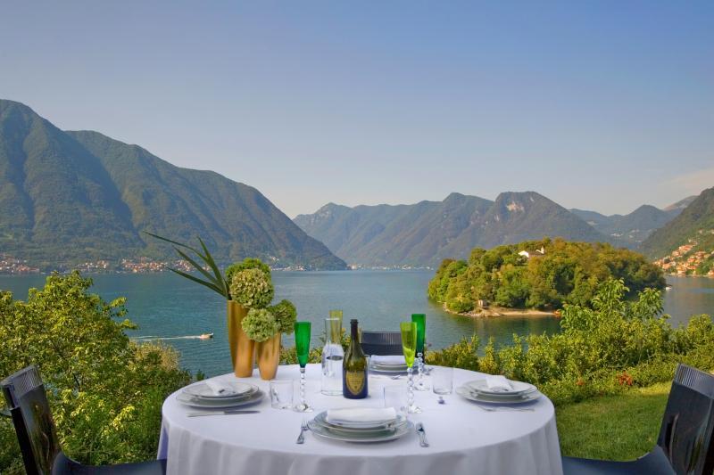 Pranzo vista Isola Comacina