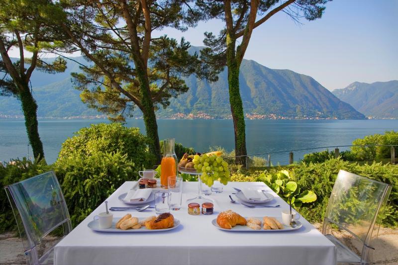 Prima colazione vista Lago