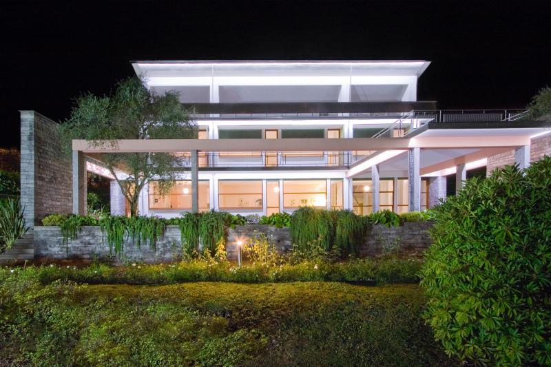 Villa Leoni di notte