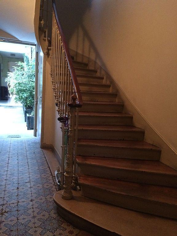 Escalier (sans ascenseur) - Stairs (no lift)