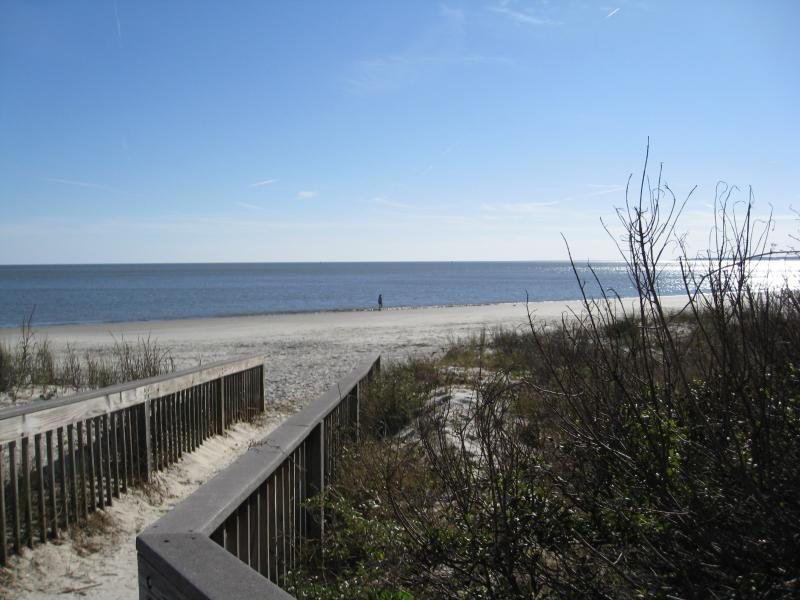 Private Beach access for Northbreakers Condominium