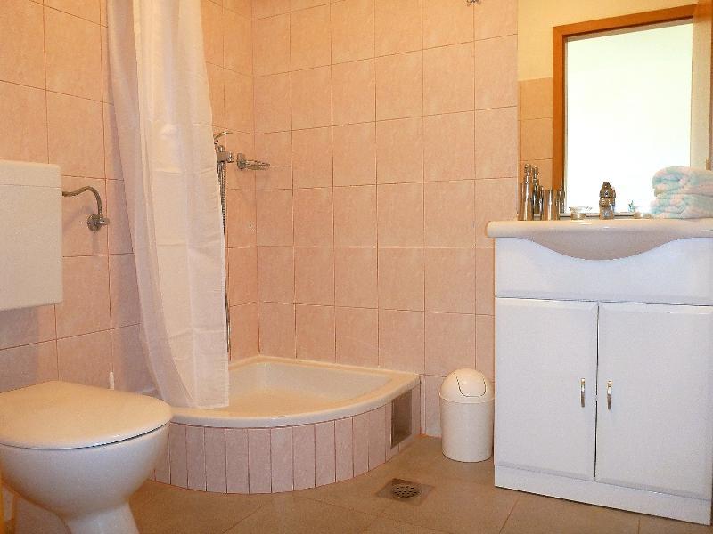 A2 Žuti (2 + 2): bagno con wc
