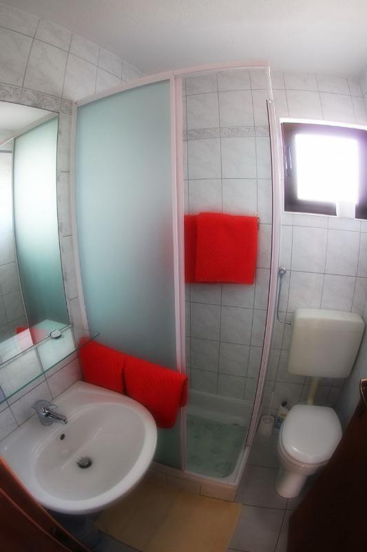 A2 (2 + 2): Bad mit WC