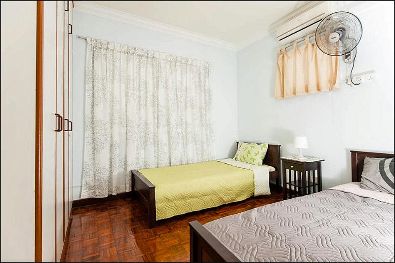 2nd bedroom-twin bed,air conditioned,with windows