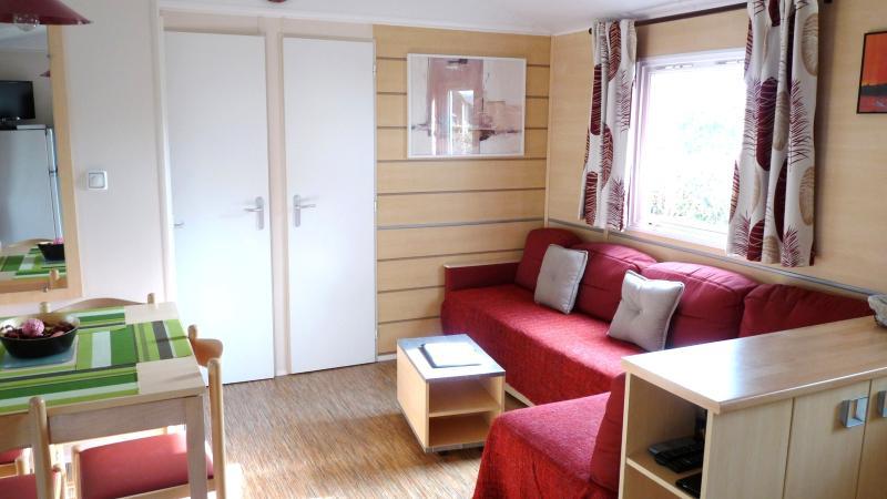 Mobil home 3 ch - Les Charmettes 4* - La Palmyre, casa vacanza a Charente-Maritime