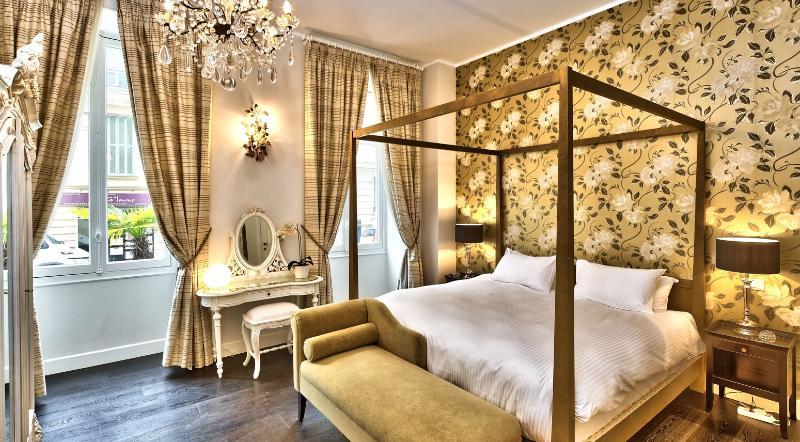 Beautiful Master Bedroom.