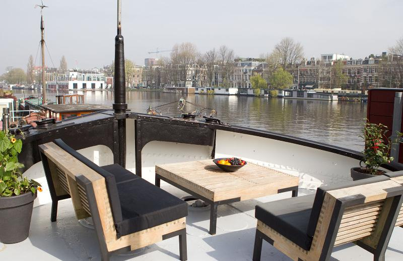 Amstel River Design Houseboat, holiday rental in Amsterdam