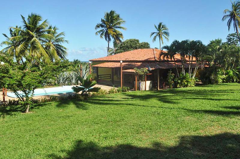 Nice chalet with shared pool & Wifi, location de vacances à Jenipabu