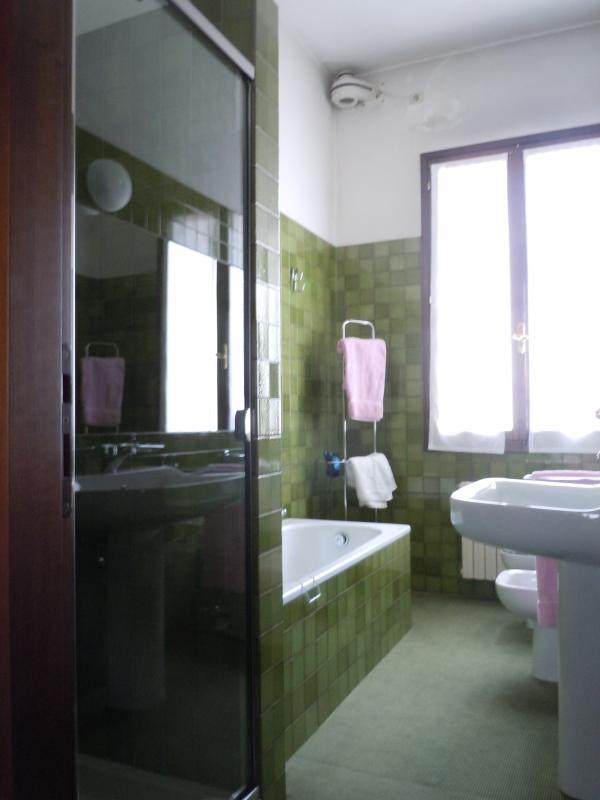 Bathroom 1° bedroom