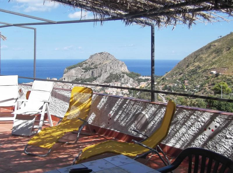Apartment with swimming-pool, holiday rental in Gibilmanna
