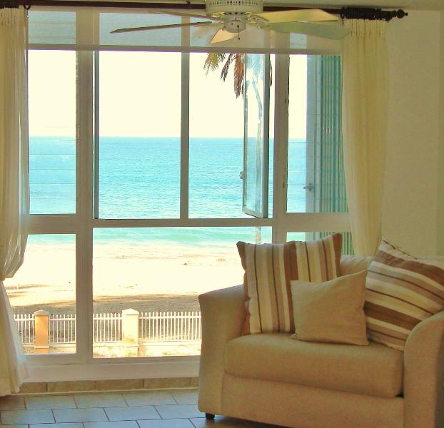Real Beach Front Penthouse at Malibu Beach Front 15 m from SJU airport, holiday rental in Loiza