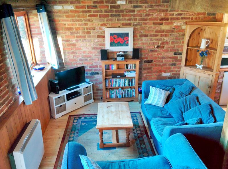 Confortable intérieur avec WiFi gratuit, écran plat Smart TV, XBOX 360, lecteur blu-ray, DAB/CD en.