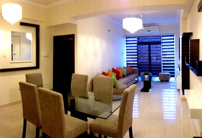 Marine City Luxury 3 Bed room apartment, vacation rental in Dehiwala-Mount Lavinia