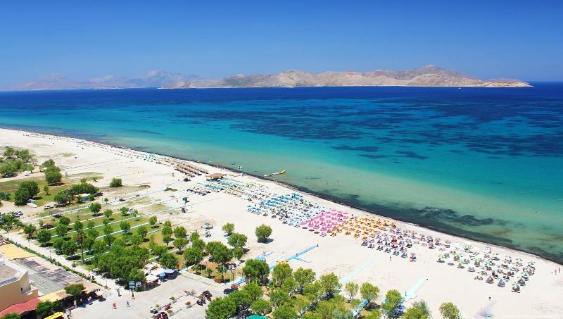 Tigaki village organised beach , is 600 meters in front of the villa