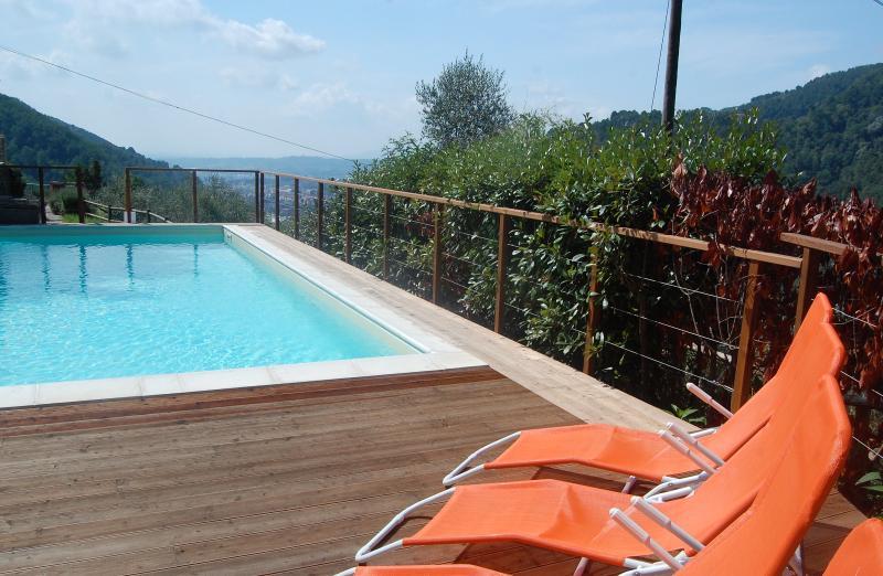 Pool overlooking Pescia