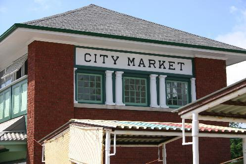 The Welland Farmer's Market (a 2 min drive) has been a favourite spot every Saturday since 1907.