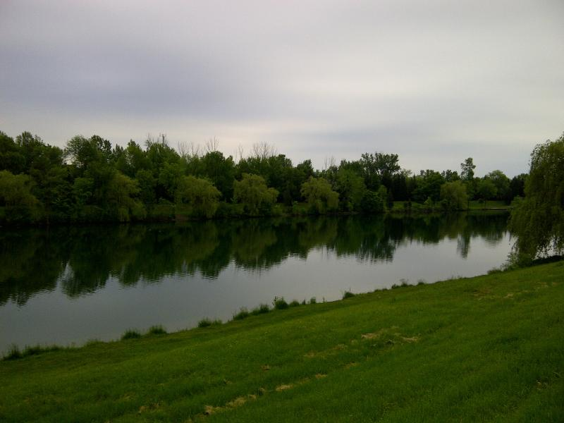 Walking distance to Welland's Recreational Waterway and its bicycling/walking trail