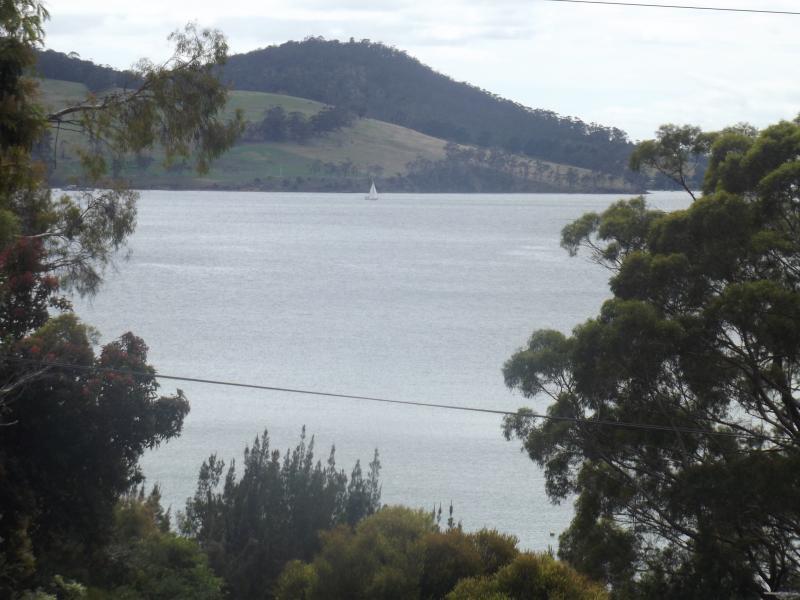 Blick über zum Pulverfass und North West Bay