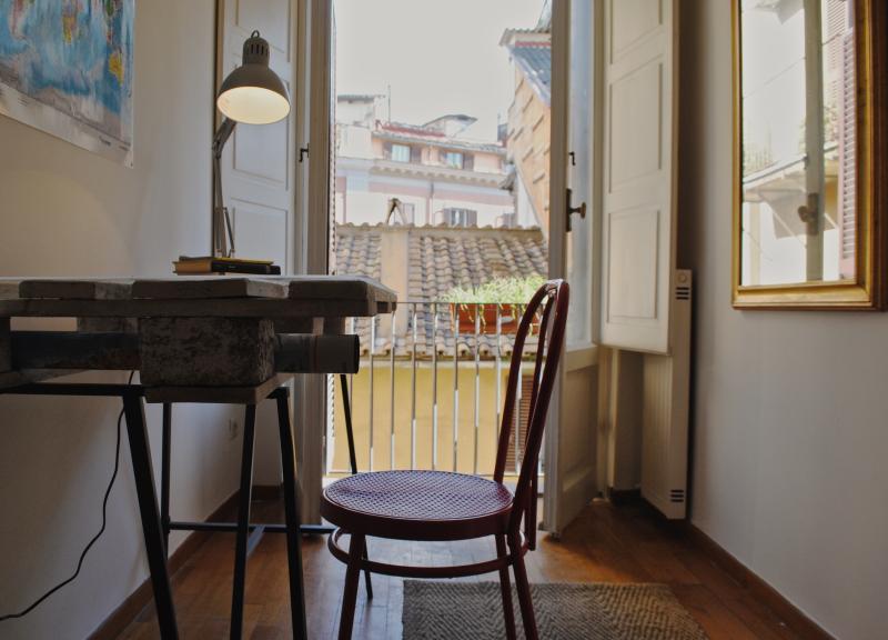 Little corner overlooking the roman roofs!