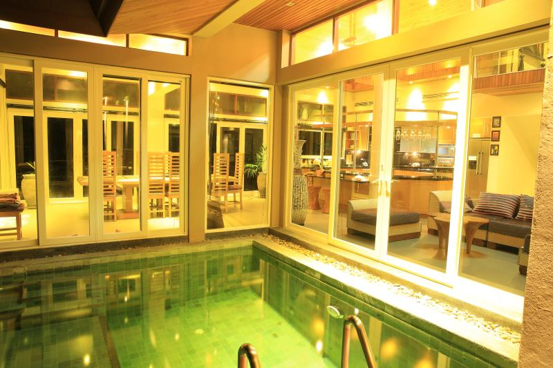 Looking over the SPA Pool to the lounge and living room