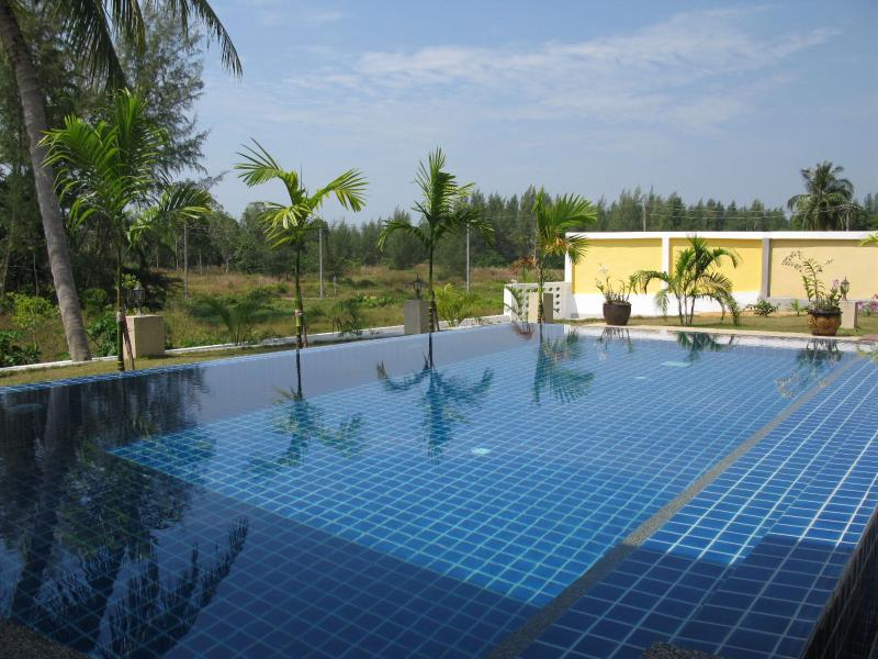 Green Garden Private Pool Villa, KhaoLak, holiday rental in Phang Nga
