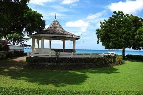 Gazebo at Fitts Village Esplanade (5 minutes walk from the Apartment!)