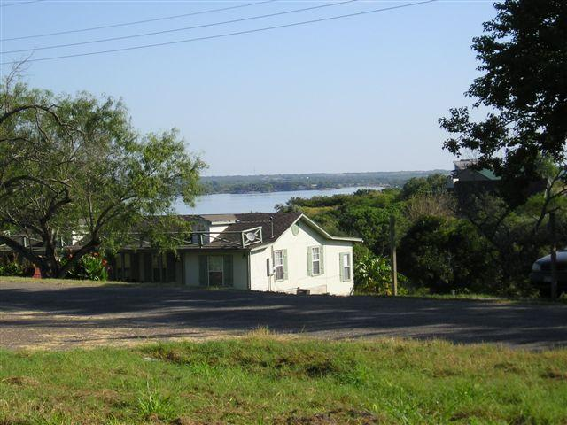 RV's or RV Sites, Utilities included, peak a view of Lake, 15 mins to Mathis or Orange Grove