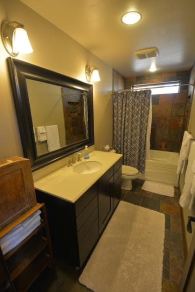 Bathroom with Vanity, Tub/Shower and Toilet on Main Level