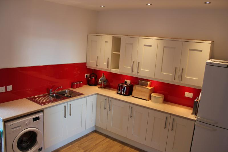 A large brand new kitchen within which you can prepare all that delicious local produce.