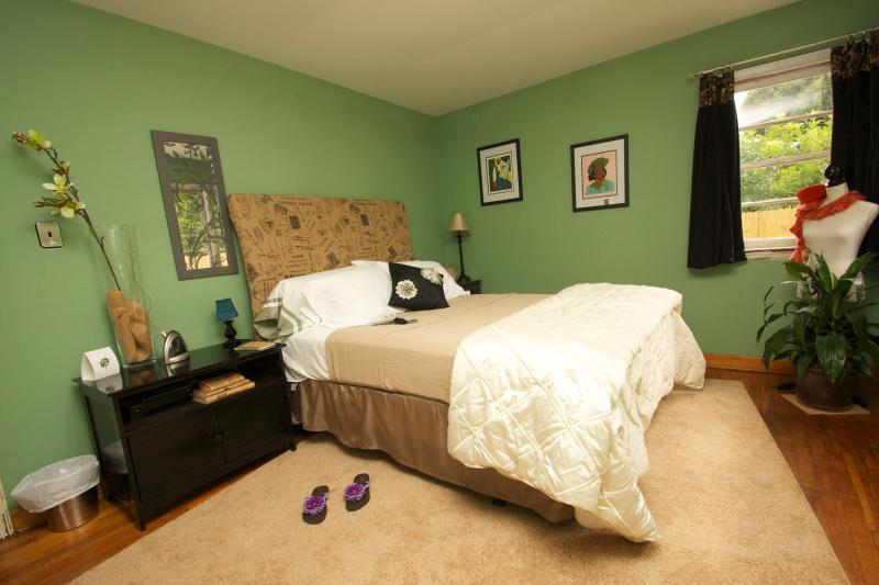Peace Pointe Guest House & Retreat, vacation rental in Oxford