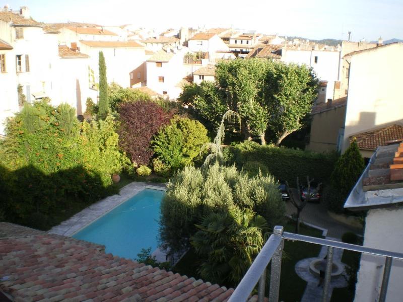 Duplex vue incroyavle centre historique wifi, vacation rental in Aix-en-Provence