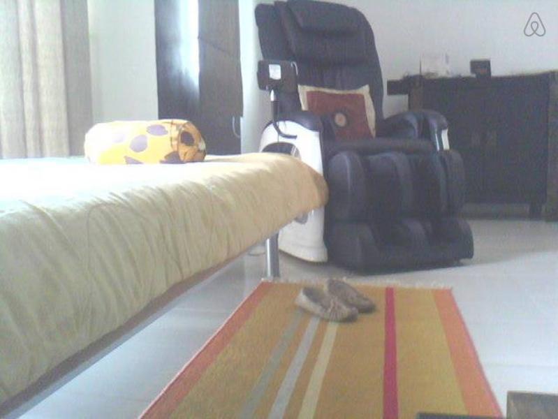 masaje silla para tu descanso después de viajar de día