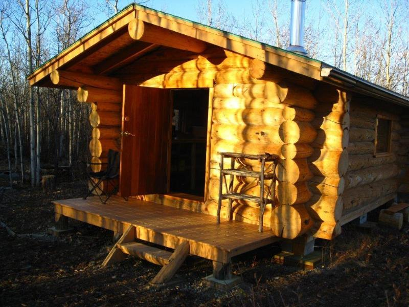 Your cozy trapper style log cabin