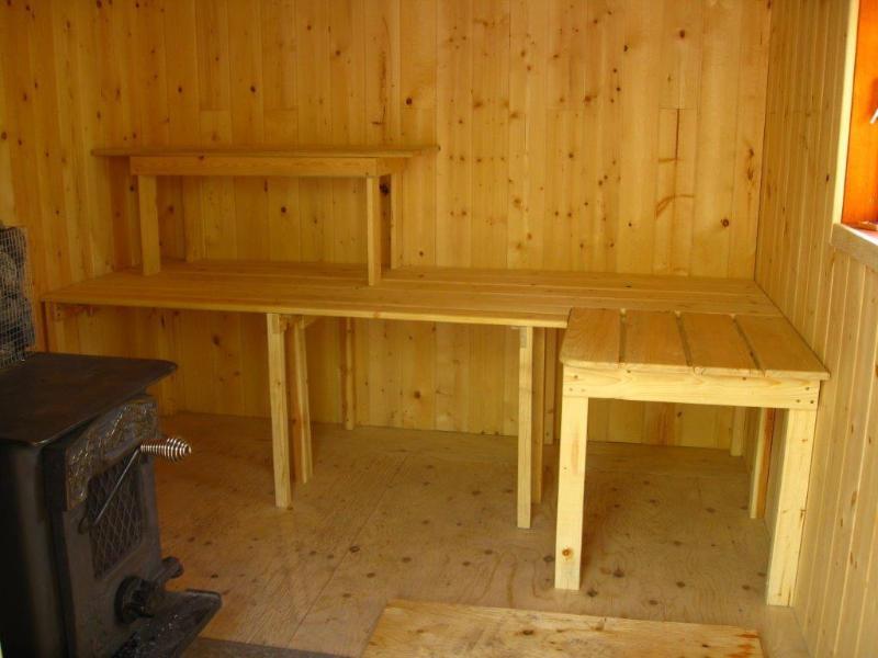 Sauna interior - calentamiento después de un día en la nieve