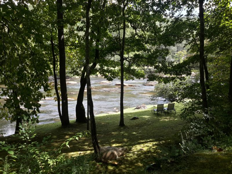 'Hiwassee River at your backdoor'