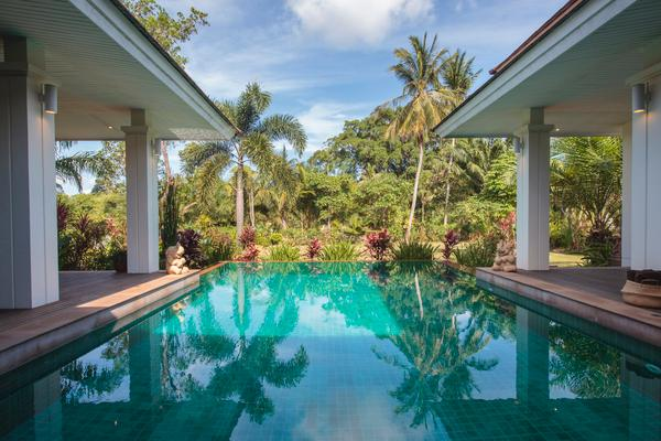 Baan Lotus Ko Samui. The pool is just fantatsic, 10 m x 7 m and 2.2 m at the deep end