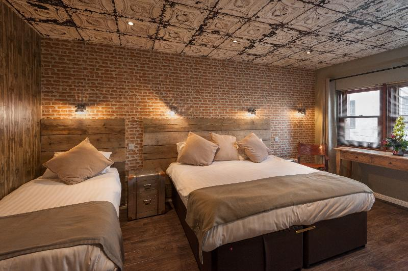 this is the New york Room it is an en-suite room can sleep up to 4 beautiful themed