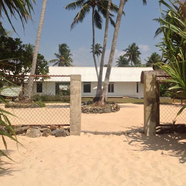 Olu Beach Villa, alquiler vacacional en Akurala