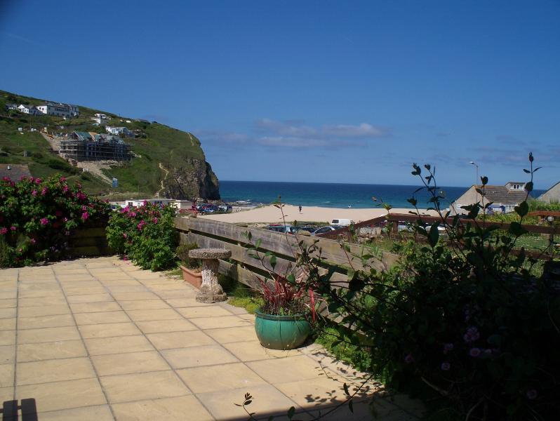 Der ständig wechselnde Blick auf dem Meer von C-View privaten Terrasse.
