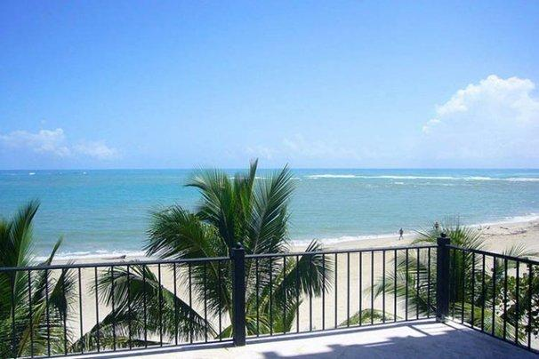 Beachfront, 3 Bd ,Center of town. As close to the Beach as you can get., holiday rental in Cabarete