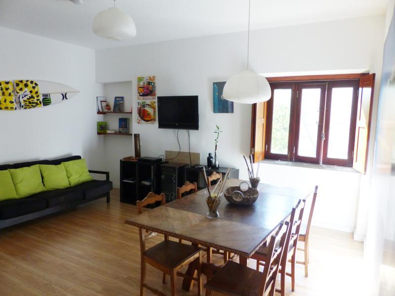 Salon/salle à manger avec TV et WiFi