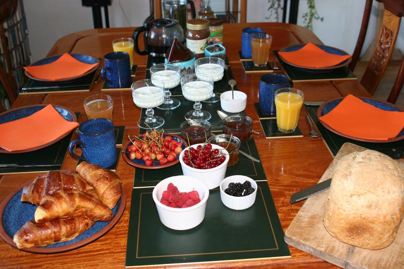Our organic breakfast is 7€ per person and includes home made bread, yoghurt and jams and our fruit.