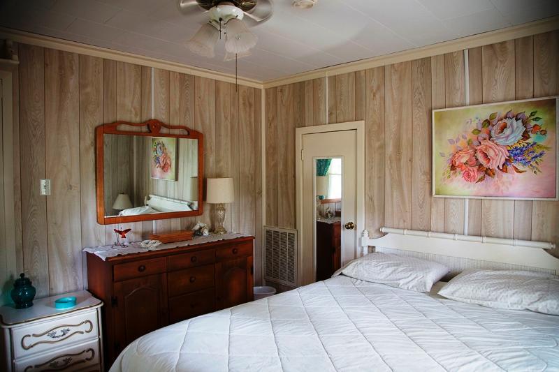 Master dormitorio cómoda con espejo