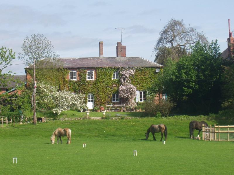 Lower Buckton Country House 10miles west of Ludlow, casa vacanza a Adforton