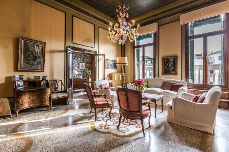 Affresco Sala Fumatori : Recensioni e foto per ca affresco unique luxury large