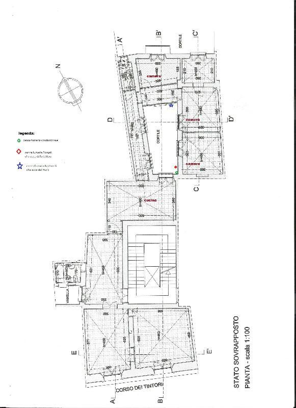 andar apartamento plano de aproximadamente 160sqm e tem um total de 10 janelas e uma pequena varanda.