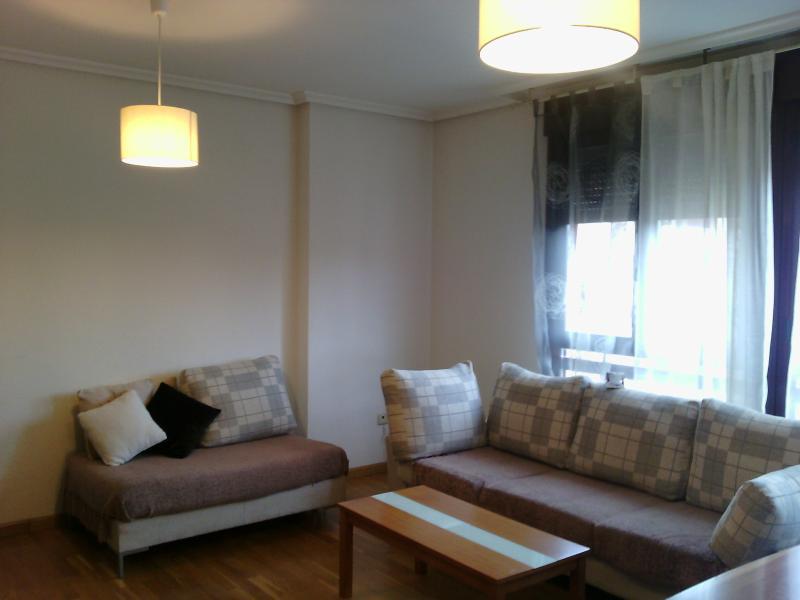 salón primer apartamento