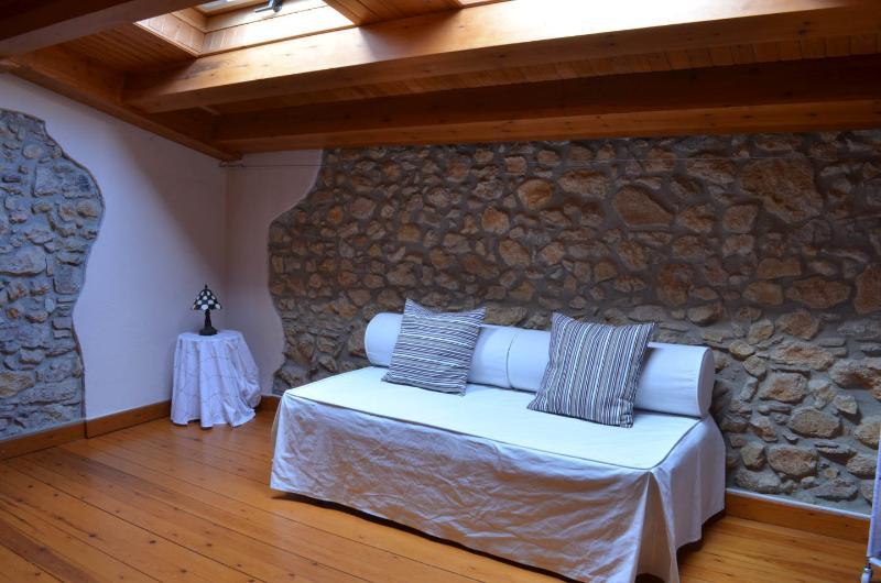 Altillo con sofá-cama