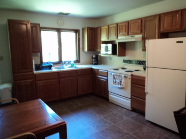 1 keuken (open concept met woonkamer) bekijken