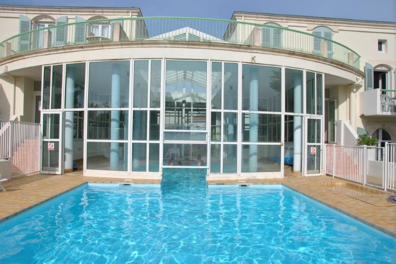 Residenz mit Pool Int / Ext beheizt und ein schöner Park de4400M2 2 Schritte von der Fußgängerzone